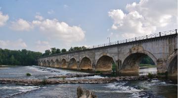 Pont canal du Guétin à Cuffy (Cher)