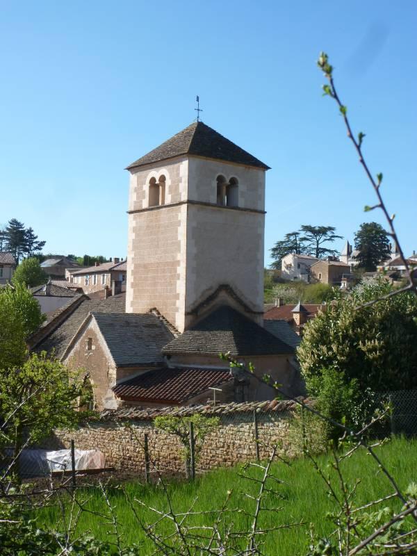 Berzé-la-Ville église chevet et chapelle Sud - La Sauvegarde de l'Art Français crédit: Anne-Marie-Gagnol, les Amis du Vieux Berzé