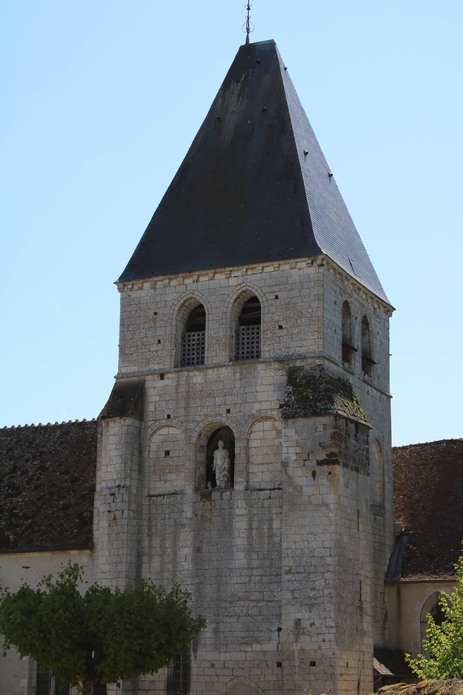 Sury-en-Vaux (18) église Saint-Etienne