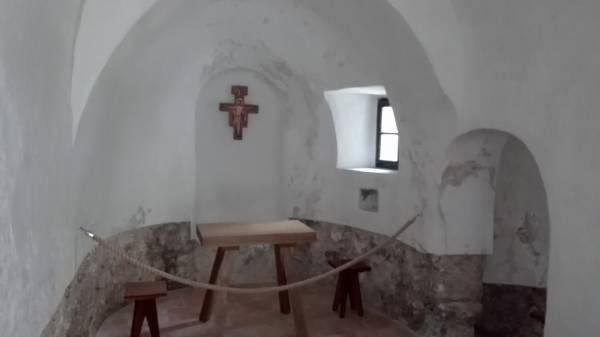 Saint-Guilhem-le-Dézert (34) ermitage Notre-Dame de Lieu-Plaisant- La Sauvegarde de l'Art Français