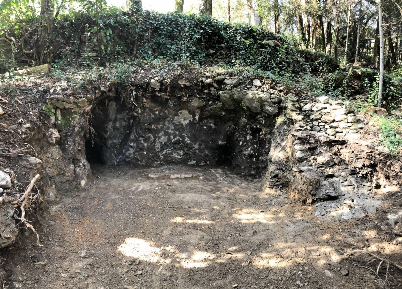 Saint-Etienne-Vallée-Française (48) Grotte du Château de Cambiaire - Sauvegarde de l'Art Français