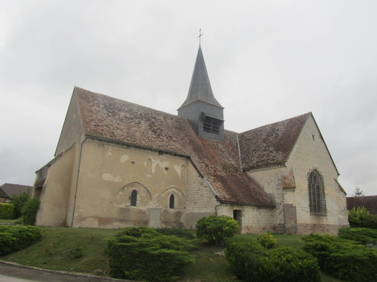 Vallant-Saint-Georges (10) - Église Saint-Julien