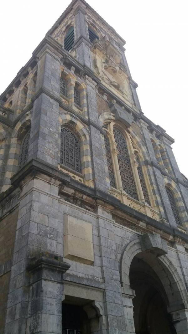 Façade de l'église Saint Paul de Granville
